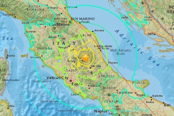 زلزله ای شدید مردم آماتریس ایتالیا را به زیر آوار کشید