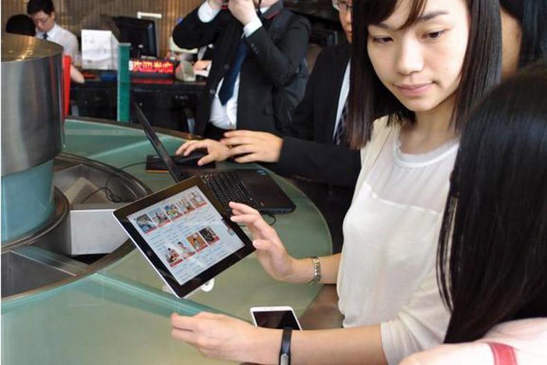 سیم کارت های قابل ردیابی در تایلند به گردشگران داده می گردد