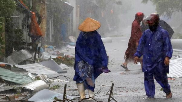 آماده باش ویتنام برای مقابله با طوفان خانون