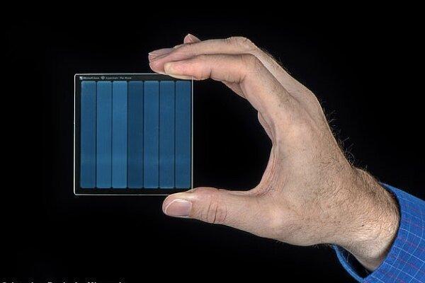 مایکروسافت روی شیشه فیلم ذخیره کرد