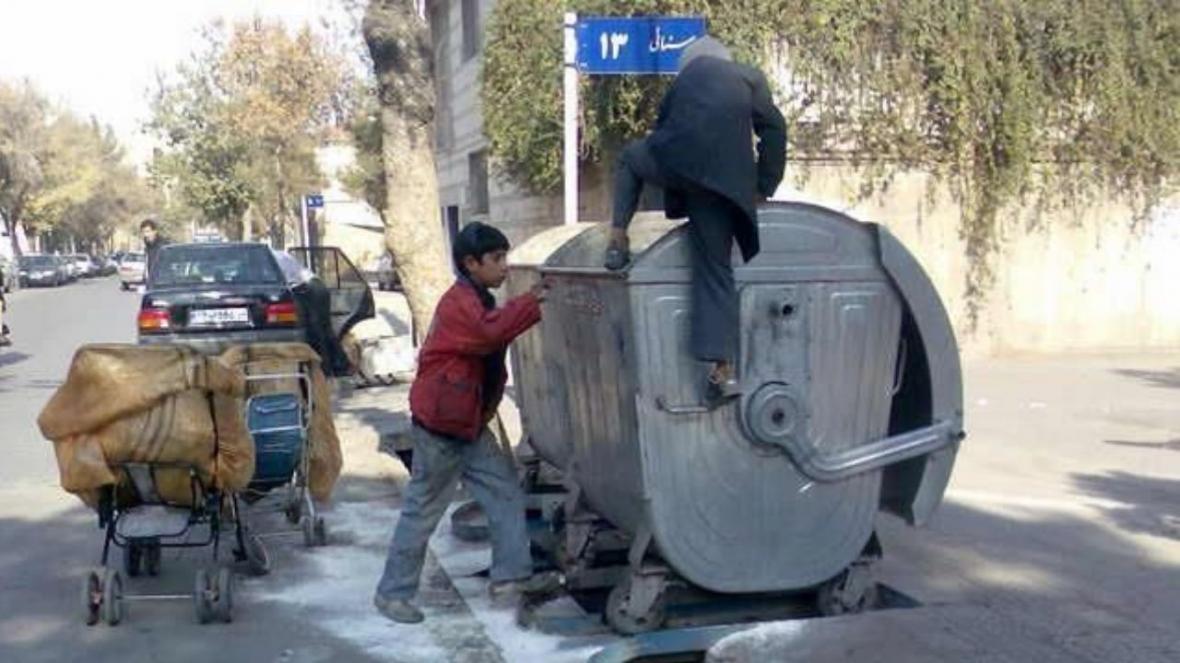 امکانات ورزشی در اختیار بچه ها کار و زباله گرد قرار می گیرد