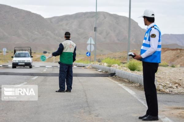 خبرنگاران تردد خودرو در جاده های برون شهری ایلام 28 درصد کاهش یافت