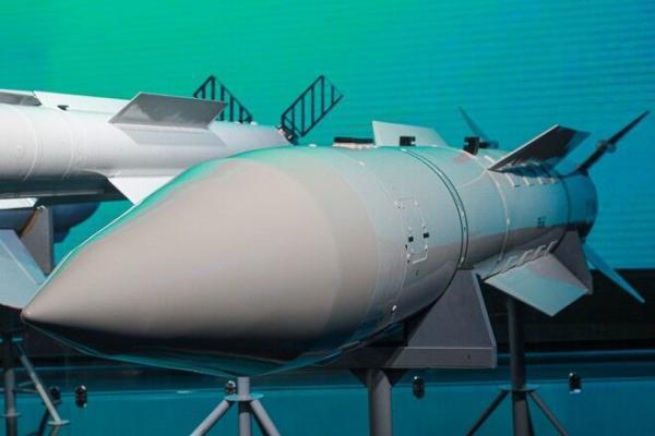 انتقاد روسیه از تصمیم انگلیس برای افزایش کلاهک های هسته ای