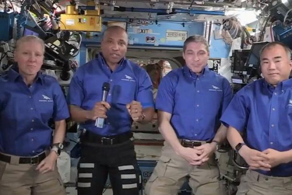 فضانوردان ماموریت کرو-1 راهی زمین شدند