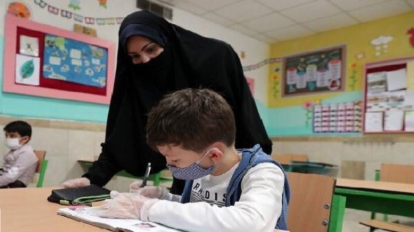 آموزش مجازی در سایه کرونا و معلمان همواره حاضر